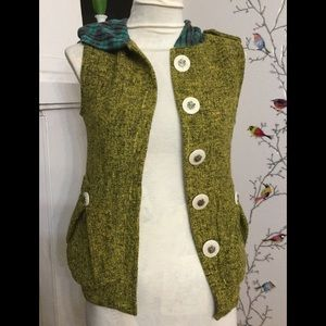 Nuvula Vest With Large White Buttons